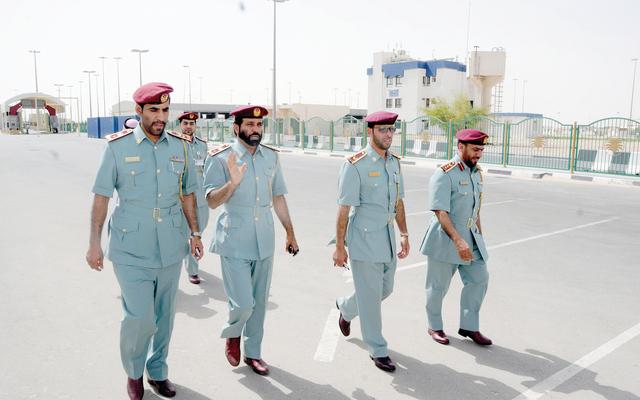 إقامة أبوظبي تدعو إلى تبسيط إجراءات المسافرين برا عبر الإمارات حوادث و قضايا البيان
