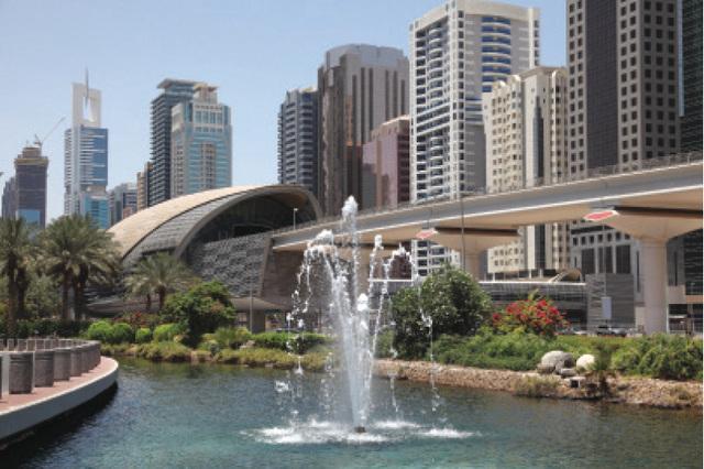 الصورة : رحلة جمالية ومعرفية في أحضان دبي يتعرف الراكبون على أبرز المعالم الحضارية