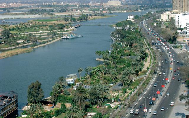 مساعٍ لتطهير مجرى نهر النيل - عالم واحد - عالمنا العربي - البيان