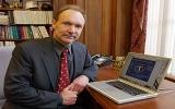 الصورة: مخترع الإنترنت: لا يمكن لأية حكومة وقف الشبكة العنكبوتية