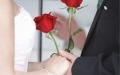 الصورة: الصورة: طقوس الزفاف تقاليد  واختبارات عسل  قاسية