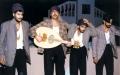 الصورة: الصورة: رجال مسكونون بعشق المسرح