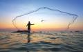 الصورة: الصورة: صيد الأسماك  مغامرة تتحدى الطبيعة بسلاح الصبر