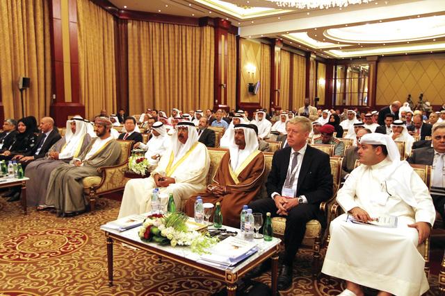 الصورة : جانب من الحضور في مؤتمر مركز الدراسات الاستراتيجية للإمارات أمسالبيان