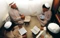 الصورة: الصورة: مقتنيات مكتبة «الأحمدية» وثائـق شـــائقة تسرد تاريخ التعليم  المحلي