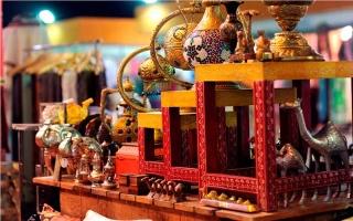 الصورة: الصورة: احتفاء بتقاليد الشعوب