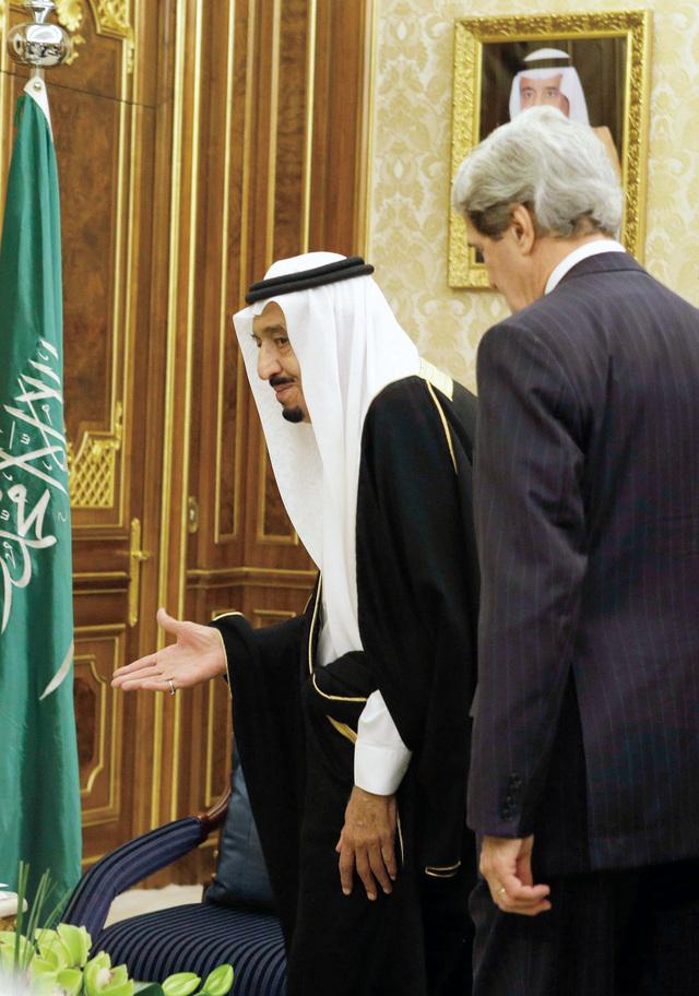 الصورة : ولي العهد السعودي مستقبلاً كيري         رويترز
