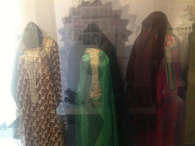 بعض من الأزياء الإماراتية