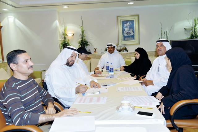 الصورة : ثاني جمعة يترأس اجتماع اللجنة المنظمة من المصدر