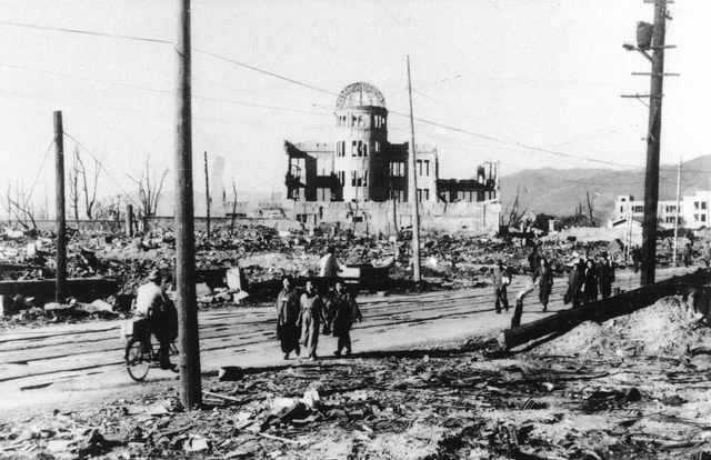 أوبنهايمر دعا إلى عدم احتكار طرف وحيد في العالم اسرار الطاقة النوويةأرشيفية