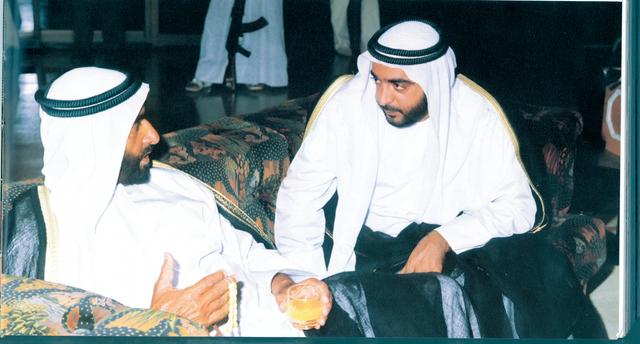 الصورة : تشرب العمل السياسي والقيادي من المؤسس والمعلم والاب زايد