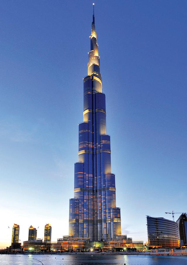 الصورة : دبي تدخل مرحلة جديدة من الإبداع المتواصل والابتكارات الملهمة                     البيان