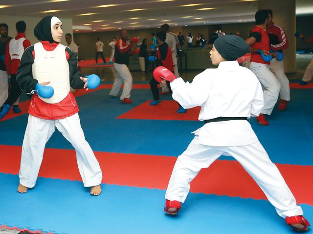 بنات الإمارات يتطلعن إلى نتائج إيجابية