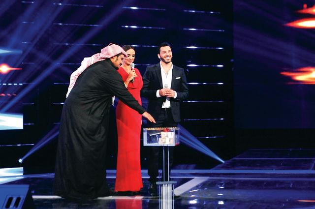 الصورة : لحظة قبول المشترك سلطان عامر للعرض المادي في المرحلة الثالثة