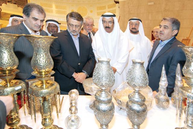 الصورة : المر والبدور والسويدي والسفير الايراني أثناء افتتاح المعرض تصوير ـ عماد علاءالدين