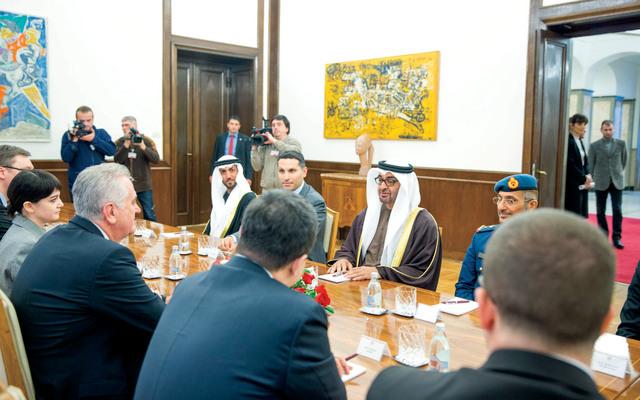 محمد بن زايد لدى مباحثاته مع الرئيس الصربي بحضور الوفد المرافق ومسؤولين صربيين     وام