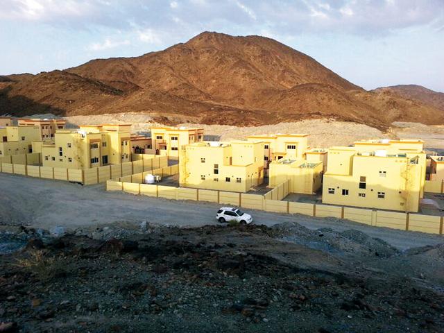 الصورة : المساكن الموزعة على المواطنين في وادي آصفني برأس الخيمة   وام