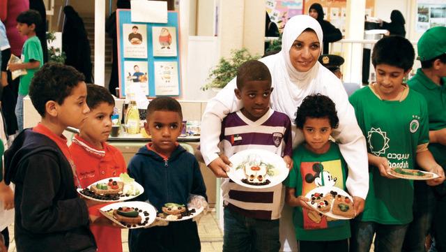 فرق لزيارة المدارس من اجل تعزيز وجبة الافطار الصحي  من المصدر