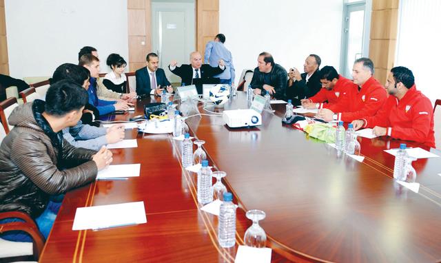الصورة : الجانب الأوزبكي خلال الاجتماع الفني للمباراة