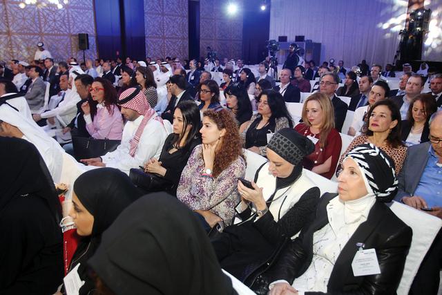 الصورة : جانب من حضور فعاليات الجلسة تصوير-عمران خالد