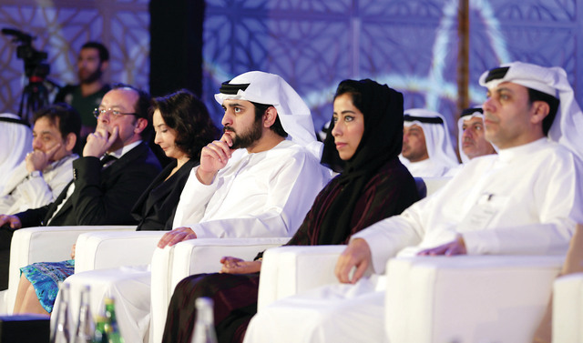 مكتوم بن محمد يشهد فعاليات المؤتمر بحضور منى المري وظاعن شاهين وريم علي وفنسنت بيريجن