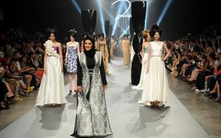 الصورة: الصورة: مصممة إماراتية تستلهم أزياءها من مغارة جعيتا اللبنانية
