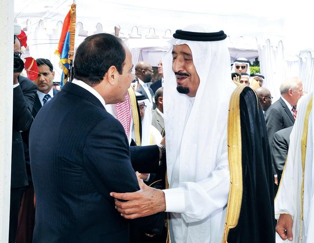 السيسي يتلقى تهنئة ولي العهد السعودي الأمير سلمان بن عبدالعزيزأ.ب