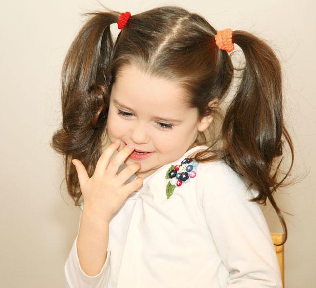 16e93a719 7 وسائل تخلص طفلك من الخجل - البيان