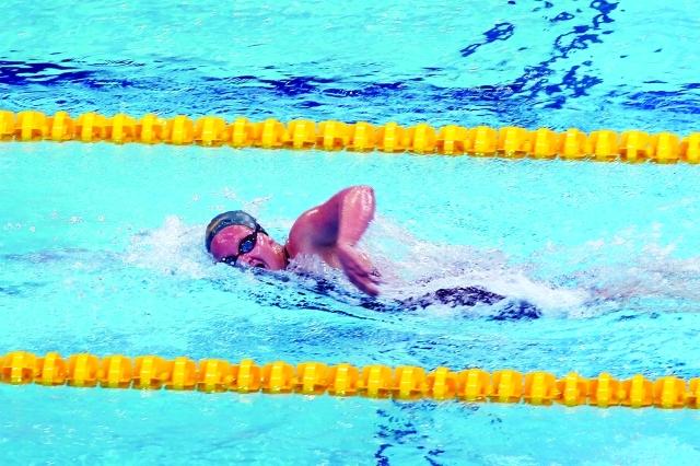 الصورة : منافسات السباحة تشهد تطورا كبيرا