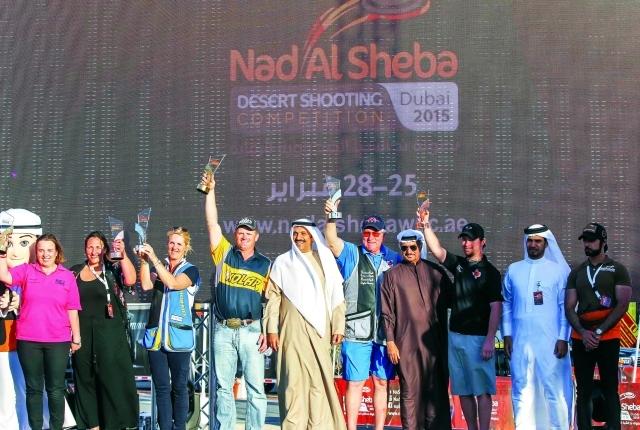 الصورة : سعيد حارب ودعيج العتيبي والمنصوري وماجد العبّار مع الأبطال تصوير- سالم خميس