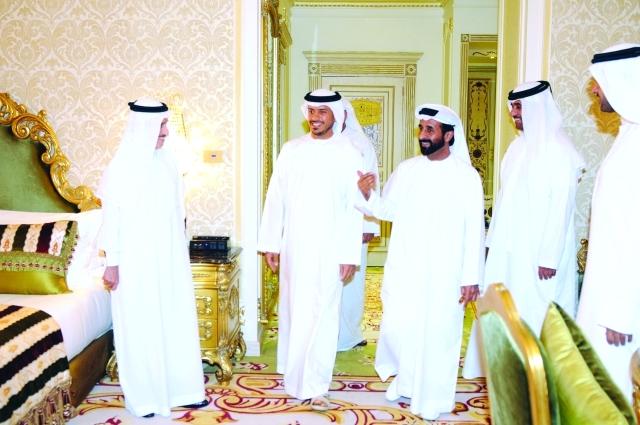 الصورة : سلطان بن طحنون يفتتح رويال روز أبوظبي -البيان