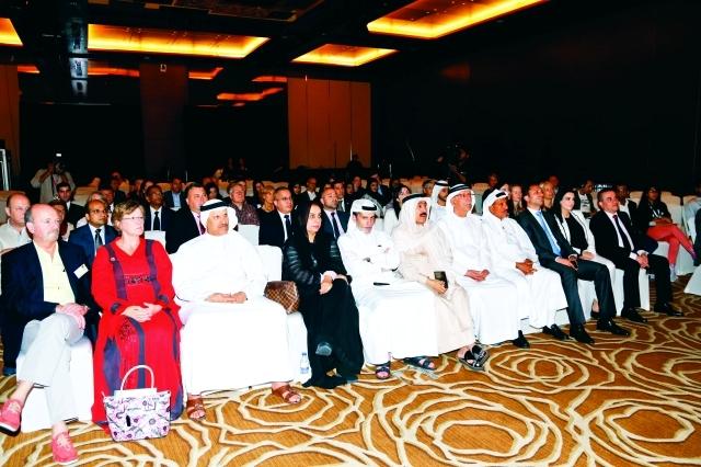 الصورة : شخصيات ثقافية وأدبية وإعلامية  في الحفل