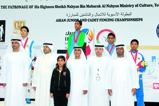 الصورة : اللجنة المنظمة توجت الكويتي بندر الشملان بذهبية سلاح السابر البيان