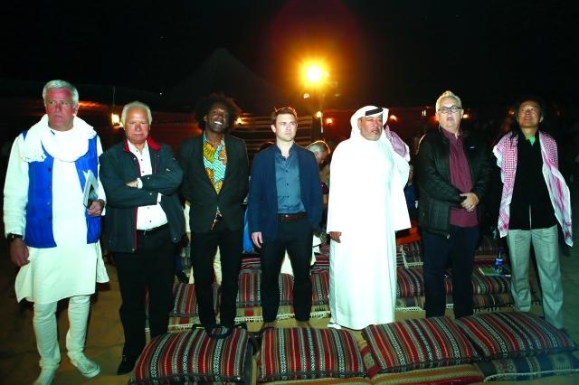 الصورة : شعراء شاركوا في أمسية »أبيات من أعماق الصحراء« التي  حفلت بأجواء الشعر والموسيقى