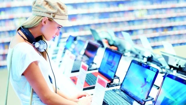 الصورة : توقع اداء جيد لقطاع الالكترونيات رغم انخفاض اسعار النفطارشيفية