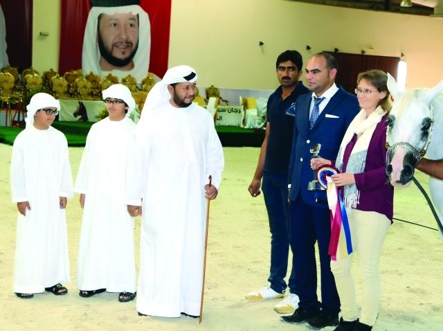الصورة : سلطان بن زايد ودعم كبير للخيول العربية الأصيلة- البيان