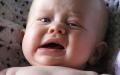 الصورة: الصورة: انتبهي لجفاف طفلك