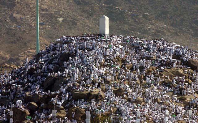 جبل الرحمة الذي ألقى منه النبي خطبة الوداع فكر وفن شرق وغرب