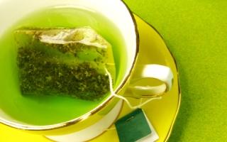 الصورة: الصورة: الشاي الأخضر يخفف علامات التقدم بالسن
