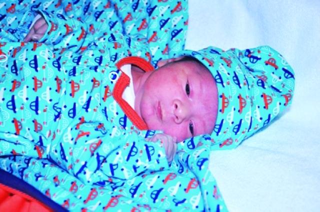 الصورة : زايد الخوري المولود الأول في «الكورنيش»