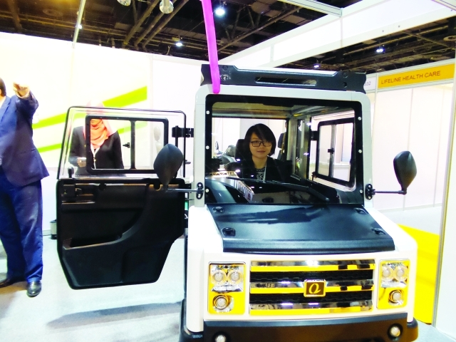■ سيارة صديقة للبيئة لذوي الإعاقة الحركية     البيان