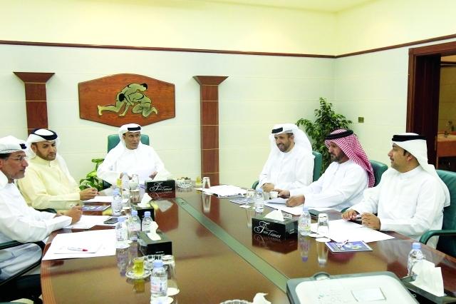 ■ محمد بن ثعلوب يترأس اجتماع الاتحاد في أبوظبي  |  البيان