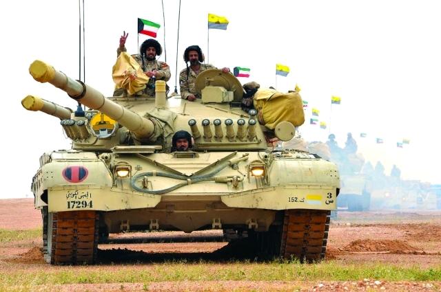 الصورة : آلية تابعة للجيش الكويتي خلال التدريب  | واس