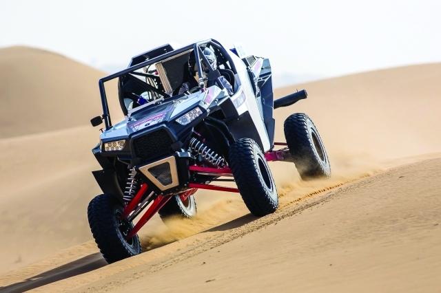 الصورة : ■ تنافس قوي بين المشاركين تشهده صحراء دبي