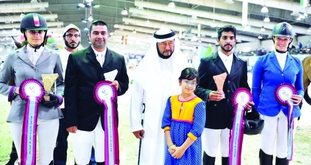 ■ سلطان بن زايد يتوج الفائزين في المنافسات  |  البيان