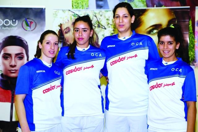 """الصورة : ■  لاعبات الأولمبيك الجزائري خلال """"عربية السلة""""     البيان"""