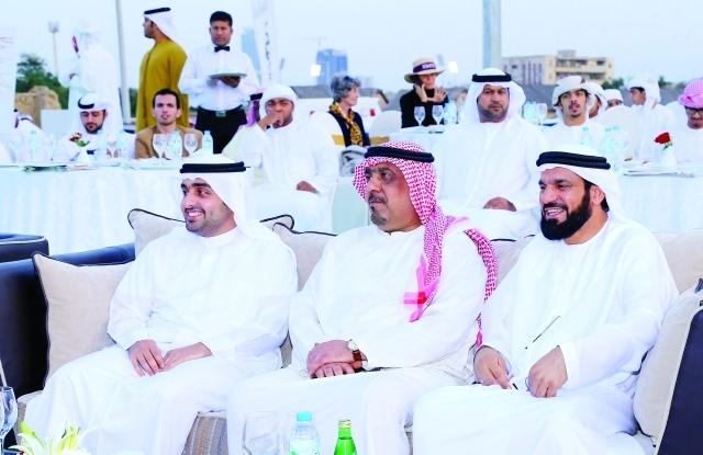 ■ راشد الشرقي وعبد الله القاسمي يتابعان فعاليات البطولة  |  تصوير - زيشان أحمد