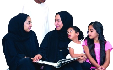 الصورة: عائلة سيف المهيري.. عوالم تسكنها «صداقة الكتب»