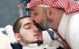 """الصورة: خالد بن طلال يكشف عن وجود تحسن في حالة """"الأمير النائم"""""""