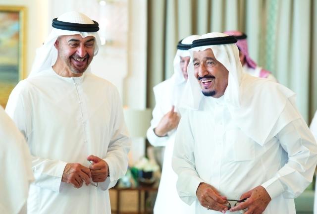 الصورة : ■ خادم الحرمين الشريفين ومحمد بن زايد خلال اللقاء